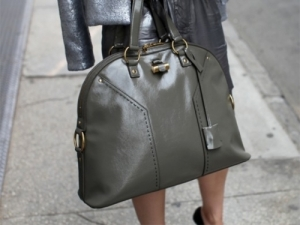 تشكيلة راقية ومميزة من الحقائب العسكرية تحتل المراتب المتقدمة في الموضة