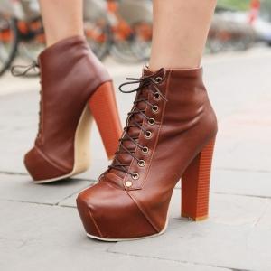 باقة مميزة من الأحذية الراقية تقدم للمرأة الأنيقة في موسم الربيع