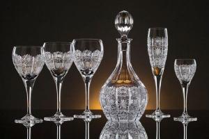 امنحي أوانيك الزجاجية لامعانا براقا بطرق بسيطة جدا