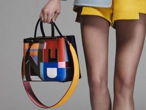الألوان الفاتحة سيدة الموقف في مجموعة من الحقائب الربيعية لموسم 2017