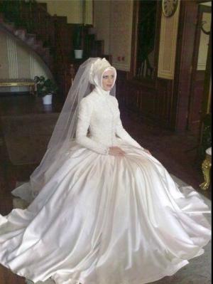 تشكيلة ناعمة من فساتين الزفاف من توقيع سناء الطلحاوي للمحجبات