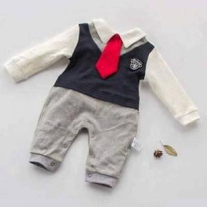 تشكيلة لملابس الأطفال من عمر شهر لـ سنة