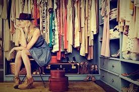 قطع ملابس لازم يكونوا في دولابك تعرفي عليهم