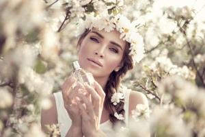 باقة راقية وناعمة من عطور الياسمين تزيدك أنوثة جذابة في الربيع