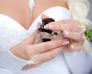 تميزي جمالا بلمسة من عطر سوزي الجديد المقدم للعروس