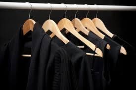 كيف تحافظين علي لون الملابس السوداء؟