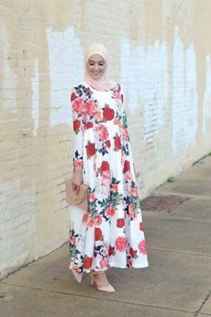 أجمل الفساتين المفعمة بالزهور لربيع 2017