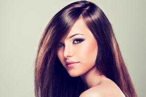 أصلحي شعرك التالف مع وصفة الزبادي الطبيعي الفعالة