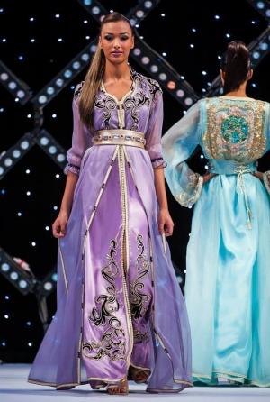 باقة راقية من القفطان المغربي لكل امرأة تعشق الأناقة الربيعية