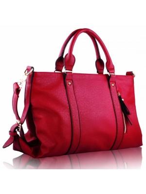 باقة جديدة من الحقائب العصرية باللون الأحمر تدخل ساحة الموضة الربيعية