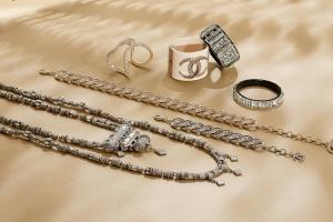 باقات راقية من مجوهرات شانيل لأناقة بارزة لكل امرأة