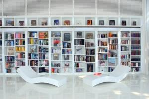 المكتبة الركن المهم الذي يزيد منزلك جمالا وأناقة مثالية
