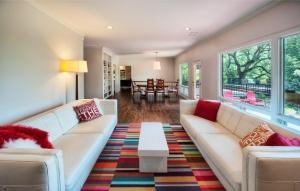 اجعلي منزلك أنيقا ومميزا باعتماد الألوان الفاتحة في موسم الربيع