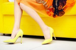 تألقي بنعومة مع أحذية بألوان الباستيل لموسم صيف 2017