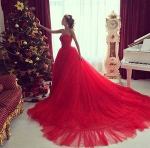 تألقي مع أجمل الفساتين الحمراء المنفوشة