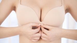 كيف تحافظين علي شكل الثدي خلال الحمل والرضاعة؟