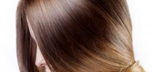 خلطة الثوم لفرد الشعر وتنعيمه