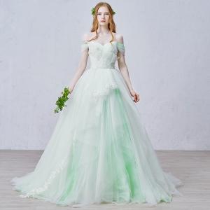 فساتين الزفاف بالأخضر الفاتح من توقيع هدى بنسليمان