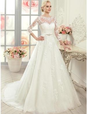 فساتين الزفاف بلمسة عصرية تتربع على عرش الموضة الصيفية لهذا الموسم