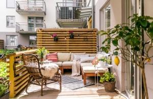 امنحي شرفة المنزل جاذبية مميزة لتكون مناسبة لجلسات الصيف
