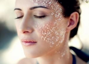 هذه طريقة جديدة ومميزة في إزالة الشعر الزائد من الوجه جربوها