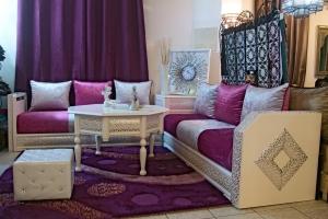 لا يمكن الاستغناء عن الصالون المغربي في التأثيث المنزلي مهما كان عصريا