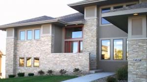 لمسة الحجر تعطي ديكور المنزل الخارجي أناقة مثالية وفاخرة