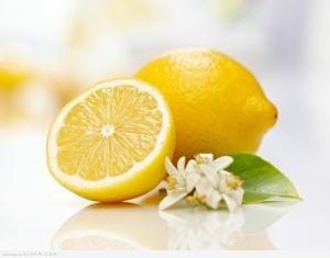 هل عصير الليمون يقلل الوزن فعلًا؟