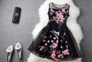 دلعي نفسك في خروجات النهار مع تشكيلة جديدة من الفساتين