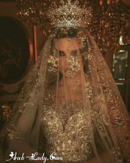 فساتين زفاف باللون الذهبي 150089430042.jpg