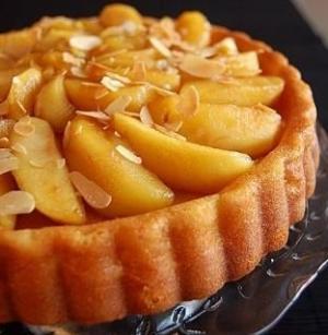 طريقة سهلة لعمل كيك التفاح بالكراميل
