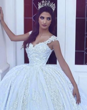 شاهدي.. فساتين زفاف مزيج من الفخامة والرقي لعروس مميزة