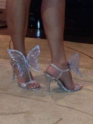 بالصور| أحذية لامعة تناسب معظم سهراتك