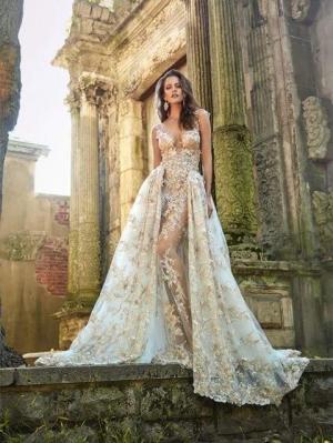 بالصور| فساتين زفاف أوف وايت تناسب كل الأذواق