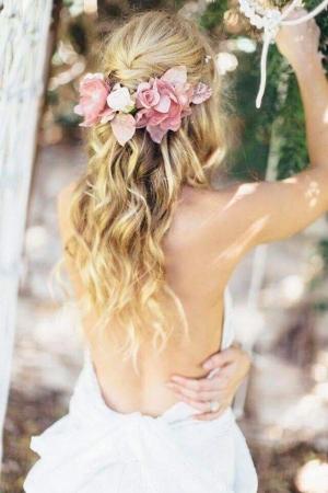 تسريحات شعر رائعة مفعمة بالورود
