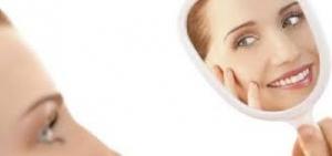 3 خلطات طبيعية فعالة لتوحيد لون الوجه