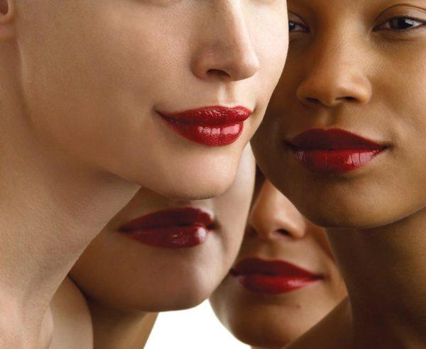 كيف تختارين لون أحمر الشفاه المناسب مع لون بشرتك؟
